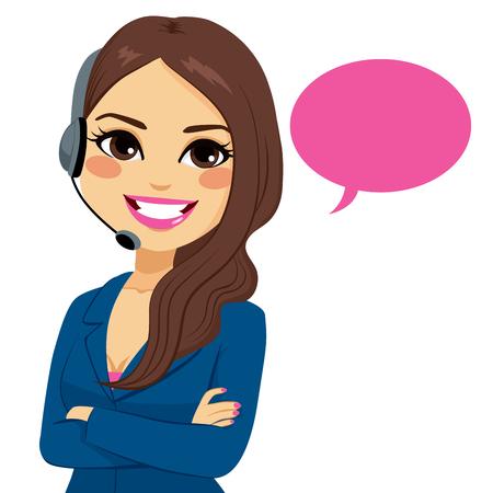 Retrato de la mujer del operador de centro de llamadas Latina sonriente feliz en el teléfono de soporte con auriculares aisladas sobre fondo blanco
