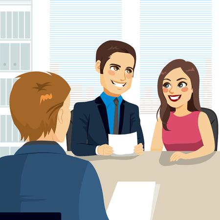 Jeune couple à la banque sur le point de signer un contrat de prêt pour acheter la première maison Banque d'images - 76777952