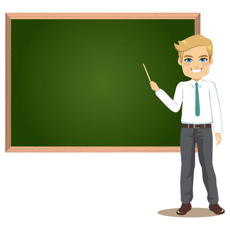 Profesor en el aula enseñando lección apuntando a greenboard