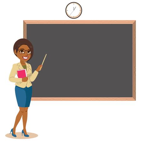 Donna insegnante afroamericana professionale che indica lavagna