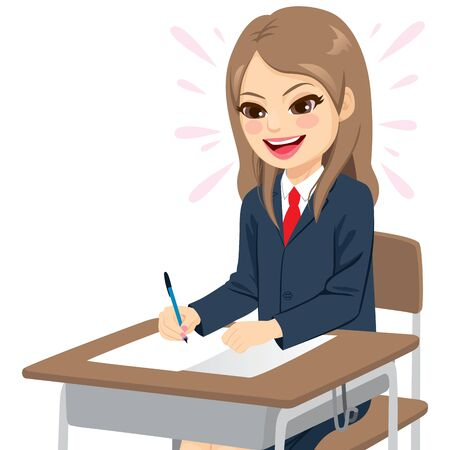 Junge Studentin in Schuluniform macht glücklich eine einfache Prüfung auf dem Schreibtisch sitzend