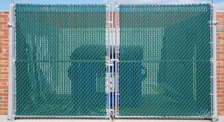 trash bin gate