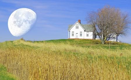 kleine huis op de heuvel