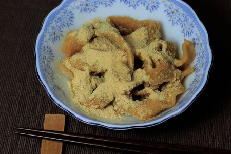A snack made with flour called Yaseuma, a snack made with kina powder on hand-rolled noodles in Oita Prefecture, Banco de Imagens