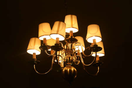 cor: Chandelier with shades