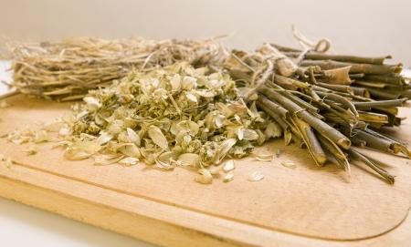 salix alba: Dry herbals, different medicinal herbs -  dry hop, willow bark