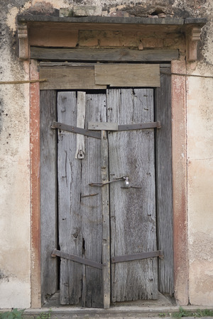 transom: The Old wooden Cracked Door, Background