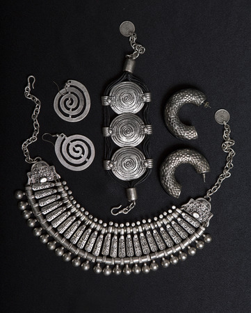 tribal dance: Beautiful Oriental Silver jewelry (Indian, Arab, African, Egyptian). Fashion Exotic Accessories, Asian Silver jewelry. Tribal Jewelry for belly dance oriental costumes. Necklace, Earrings, Bracelets.