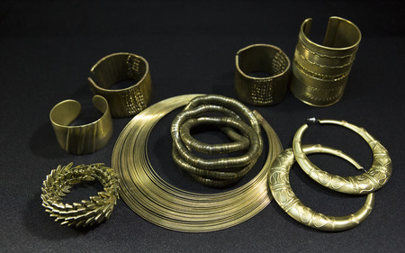 Beautiful Oriental gold jewelry (Indian, Arab, African, Egyptian). Fashion Exotic Accessories, Asian Gold jewelry. Tribal Jewelry for belly dance oriental costumes. Necklace, Earrings, Bracelets.