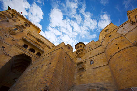 Jaisalmer Fort in India. Beautiful Ancient Indian fortification Architecture. Hill Forts of Rajasthan. View of the military indian fort. 新聞圖片