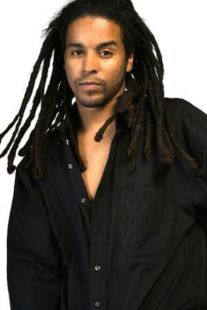 dreadlocks: Un African American masculino con rastas.
