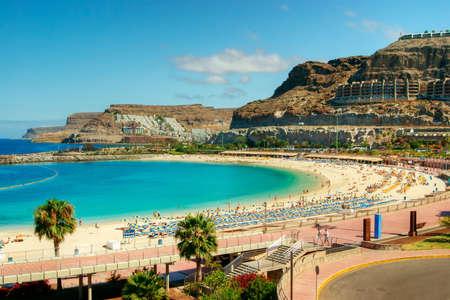 gran canaria: Uitzicht over Amadores strand op Gran Canaria, Spanje