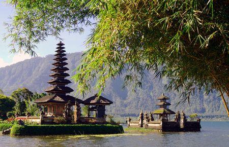 bratan: Beautiful Bali water temple Stock Photo