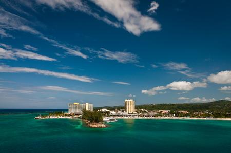 Vue aérienne de la côte à Kingston, en Jamaïque Banque d'images - 91828671