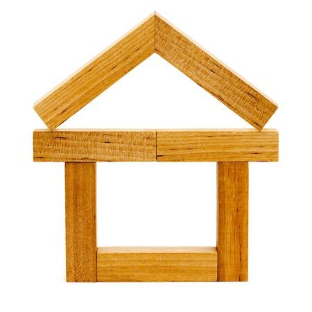 houten huis op de witte achtergronden