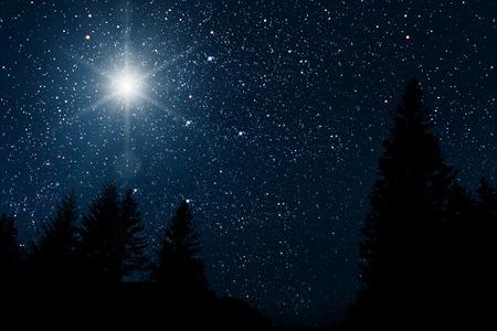 The star indicates the christmas of Jesus Christ. Banco de Imagens - 113427093
