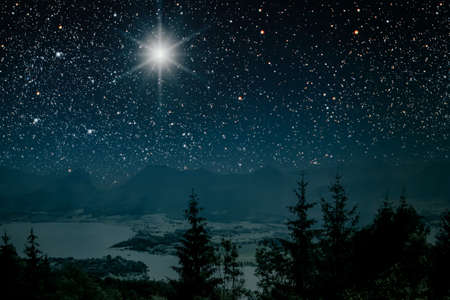 The star indicates the christmas of Jesus Christ. Zdjęcie Seryjne