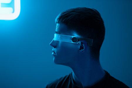 Cyberpunk neon male portrait Standard-Bild - 161017132
