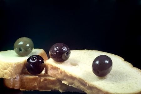regina: bread and olives