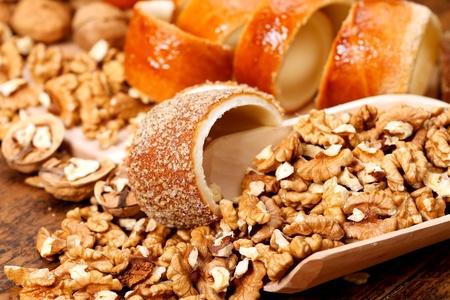 Chimney-Kuchen mit Nüssen