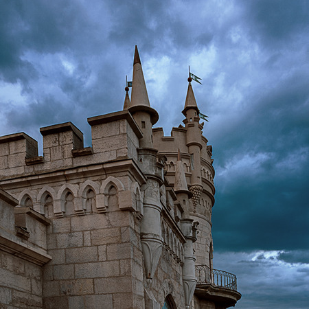 is a decorative castle located between Yalta and Alupka on the Crimean peninsula