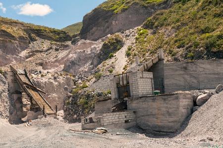 porosity: Limestone Quarry, Mining Technique, Andes Mountains