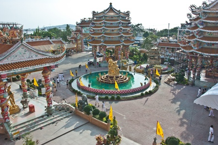come in: Many Chinese temples in Thailand. Each have a different beauty. The beauty of these will come from China, which dominate this field. And is a major attraction.
