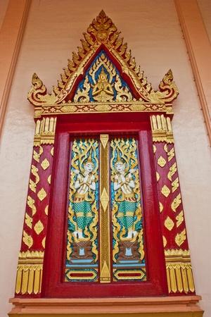 Wat tailand�s de la identidad tailandesa. Hay una tradici�n en la forma de una bella asi�tica. Estas son hermosas. Atraer a los turistas de todo el mundo para visitar en Tailandia. Foto de archivo