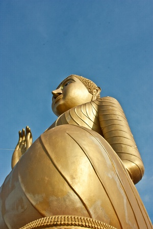Buddha, Sharp, Thai temples, Worship, a city of religion, a place of peace, a place sacred, background, bangkok, face, forbidden, golden