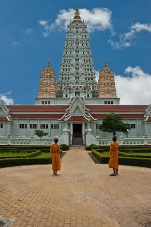 Hay muchas pagodas en el lugar del Templo, Tailandia. Sigue siendo una importante atracci�n tur�stica. Es largo. Una fuente de aprendizaje y sabidur�a.