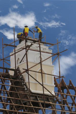 La actividad de la construcci�n se realiza en el montaje o instalaci�n. Creaci�n de la infraestructura. O componentes de los anteriores.