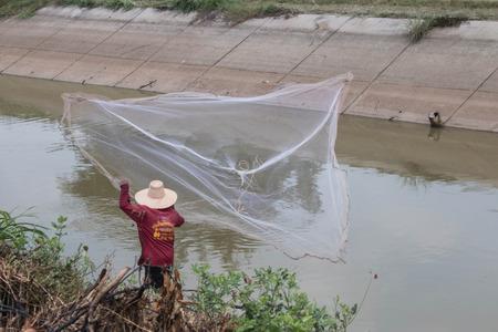 Pesca o la pesca gesti�n de medios humanos para la captura de peces u otros animales acu�ticos.