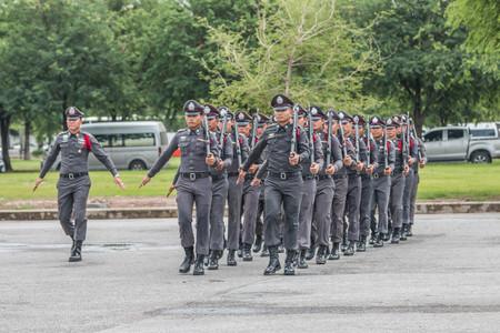 delito: El nombre de las autoridades policiales. Es responsable de patrullar detención mantenimiento de la paz y reprimir el delito. Llamó a la policía de guardia como sheriff. Editorial