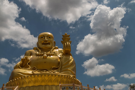 Buddha means that God created instead of King Buddha. To worship May be carved out of various materials such as stone, wood, ivory or other Sawasdee Ka.