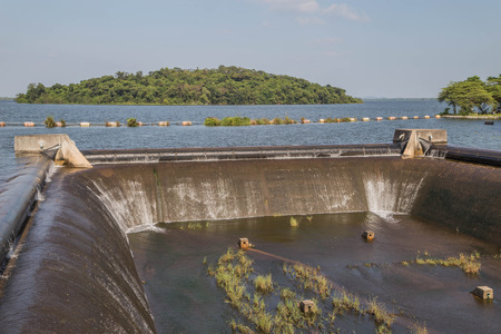 Dam  is for the construction of a large dam water. More than half of the main river dams around the world will have to take advantage in any way.