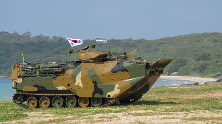 CHONBURI, THAILAND - FEBRUARY 17, 2018: Assault amphibious vehicle of South Korea lands on sea shore during Cobra Gold 2018 Multinational Military Exercise on February 17, 2018 in Chonburi, Thailand. Sajtókép