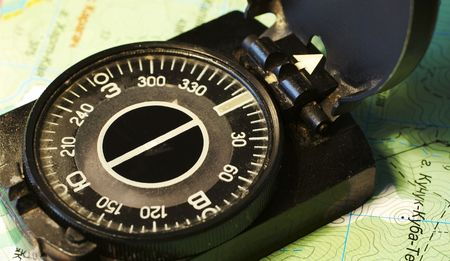 orienting: Compass on the map