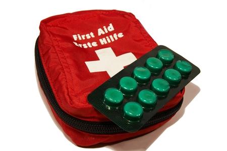 first aid box: Cuadro de la red de primeros auxilios  Foto de archivo