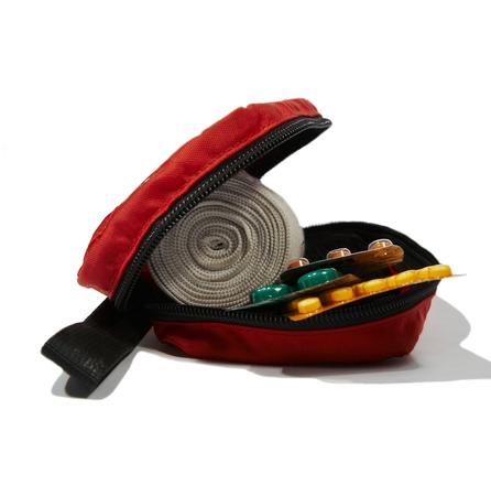 first aid box: Red caja de primeros auxilios