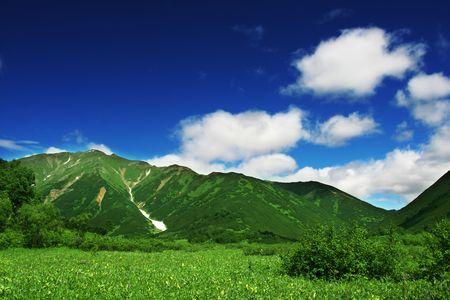 kamchatka: Green mountain meadow on Kamchatka