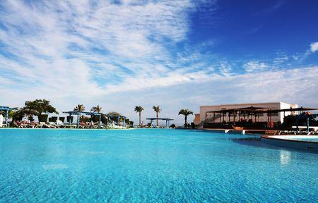 swimmingpool: Blue swimming-pool