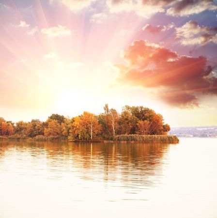 autumn lake Stock Photo - 5722519