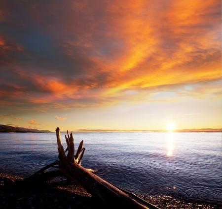 Sunrise scene on lake Stock Photo - 7679657