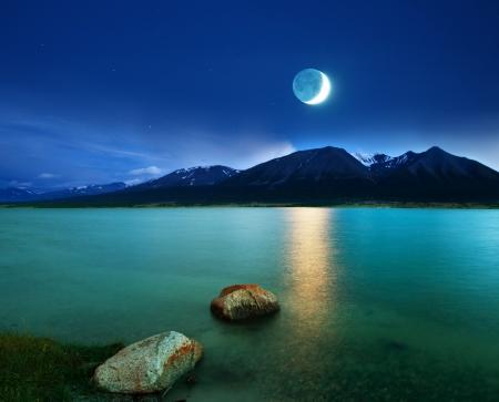 boulder: moonlight