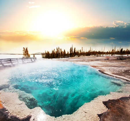 yellowstone: Hot Spring in Yellowstone