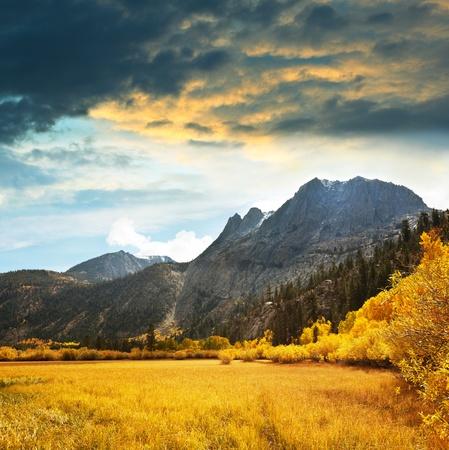 paisaje rural: Otoño en montaña