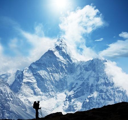 klimmer: Climber in de Himalaya gebergte