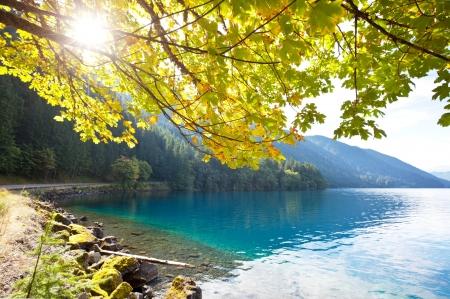 autumn lake Stock Photo - 11164730