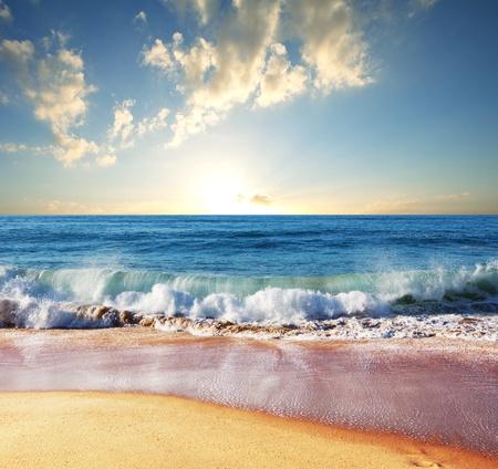 paisajes: mar puesta de sol en el Parque Ol�mpico de la costa Foto de archivo