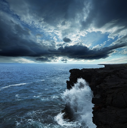 mare agitato: Arch in Hawaii Volcanoes National Park